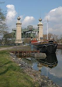 Teil der Route der Industriekultur: Schiffshebewerk Henrichenburg by Annette Hudemann
